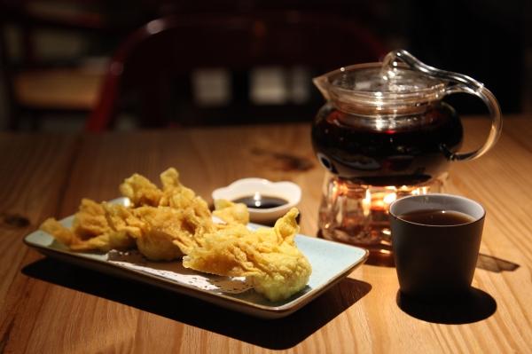 以往予人老氣印象的港點茶樓,經現代茶餐廳重新演譯,一盅兩點也能呈現夜店潮味。 (2)