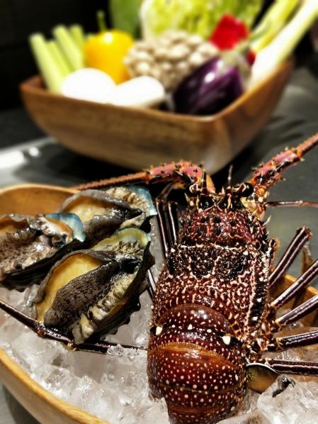 傳統粵菜酒樓常見龍鮑翅,近年環保意識抬頭,已較少食用魚翅 (2)