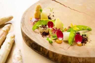 寶艾西餐廳-浸煮白蘆筍佐澄清茶香白蘆筍凍