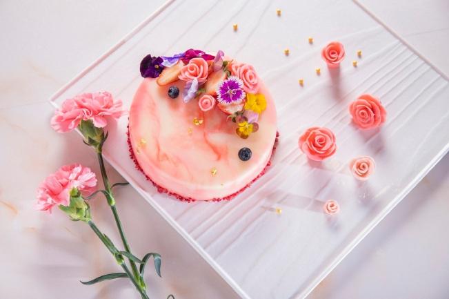 圖10.凱達母親節蛋糕「蜜桃莎瓦」,每個6吋售價890元,5月5日前訂購享8折優惠。