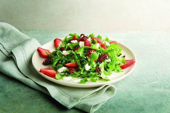 草莓芝麻葉沙拉配羊奶起司 NT$588