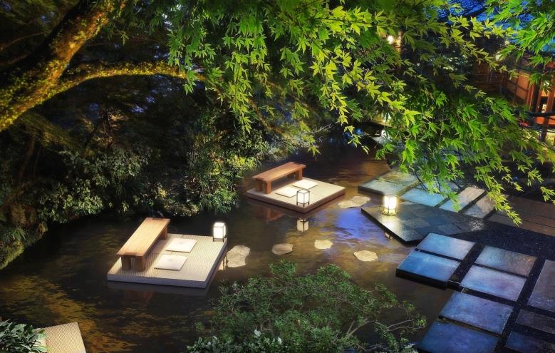 「水の庭」庭園,利用來自日本各地的石苔竹等植栽,營造出遠離喧囂的非日常空間場景。