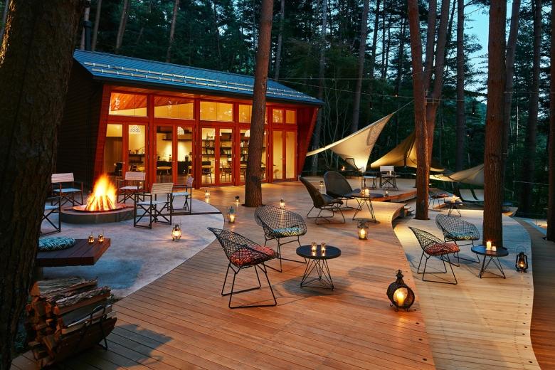 位於赤松樹林間的「雲端露台」提供各式與露營相關的休閒活動,在奢華、舒適與大自然之間找到完美平衡。 (2)