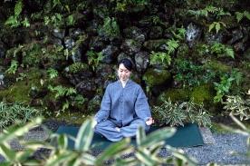 冥想活動,透過呼吸調節放鬆身心。