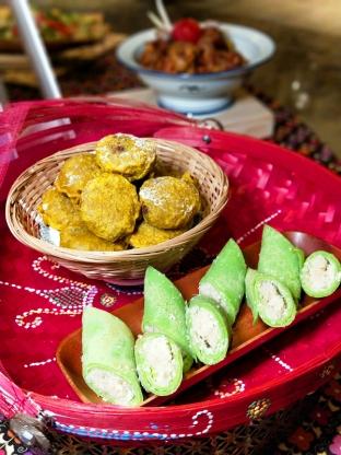 馬來西亞傳統甜點:酥炸綠豆餅、香蘭椰香煎餅