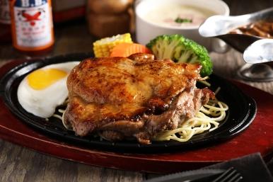 台北君悅-Cheers歡飲廊-台式鐵板套餐-鐵板香料去骨雞腿排 (2)