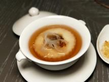 甜湯銀耳紅棗燉香梨桃膠