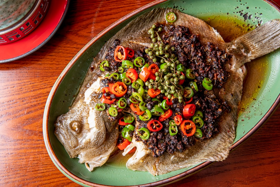 Steamed turbot with black bean and green peppercorn sauce 四川椒醬豆豉蒸鰈魚