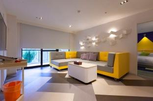 套房房型擁有寬廣的客廳可盡情開趴歡樂