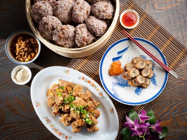 台北君悅-凱菲屋台灣美食節 -肉燥芋丸 古味酥炸排骨酥 手工自製肝花