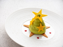 台北君悅-寶艾西餐廳-聖誕甜點-開心果覆盆子香草聖誕樹