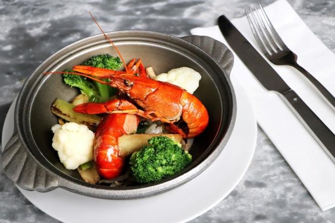 板橋凱撒大飯店 特定時段於朋派及家宴用餐即贈美味小龍蝦