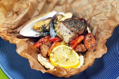 紙包蘑菇海鮮搭貝殼麵