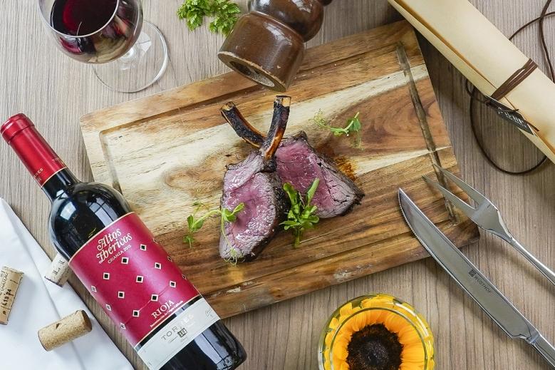 台北君悅_寶艾西餐廳_紐西蘭低溫烹調鹿肉排與西班牙里奧哈 伊貝利克紅酒 (Torres, Altos Ibericos, Crianza, Tempranillo, D.O.C., Rioja , Spain, 2015)(001)