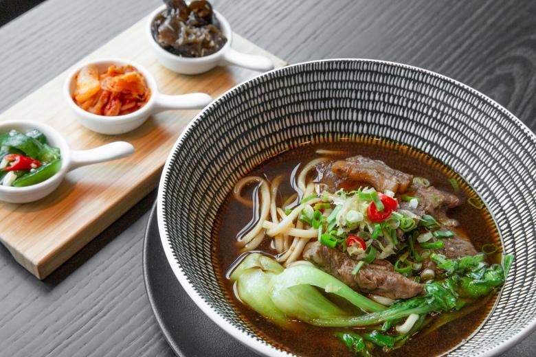 新竹英迪格-商業午餐牛肉麵
