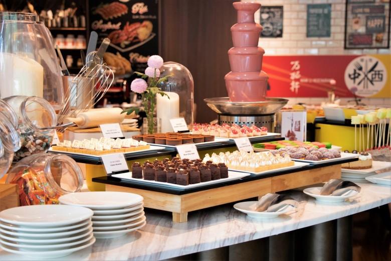 台北士林萬麗酒店 士林廚房 「食在中西」主題料理活動廳景-精緻甜點區01