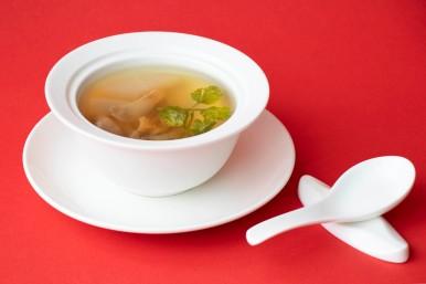 中式湯品-廣式蘿蔔爽腩湯